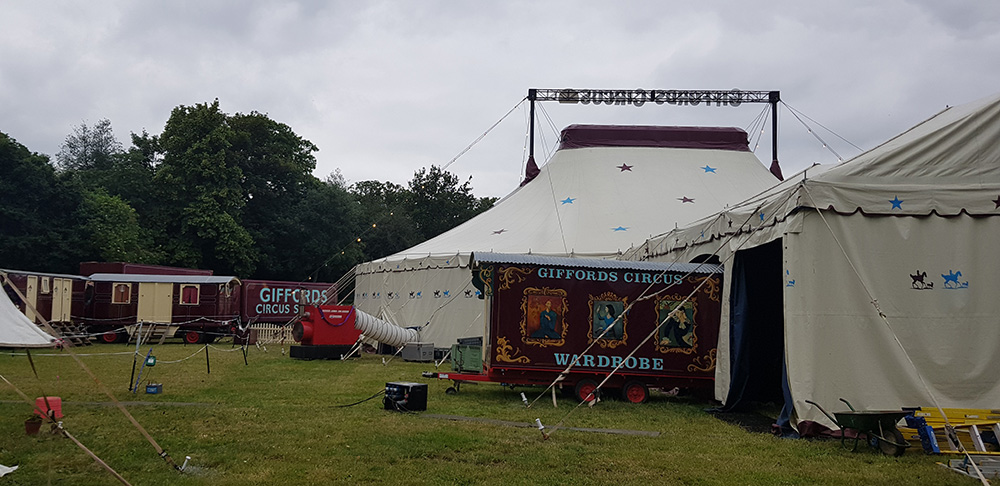 Suppliers of hay and straw to Giffords Circus